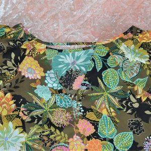 LOFT Tops - Ann Taylor Loft Floral Small Top Spring Summer